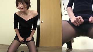 Subtitled embarrassed Chinese femmes fails to hold in urinate HD