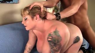 Fatty Kali Kala Lina Has Her Honeypot Expanded by a Shaven Bastard