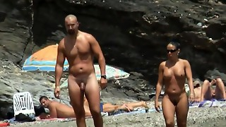 Close-Up Naked Beach Stunners Spycam Amateurs Flick
