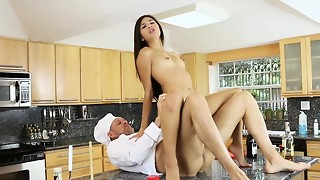 Sizzling and wondrous nubile honey Zaya Cassidy gets her trimmed