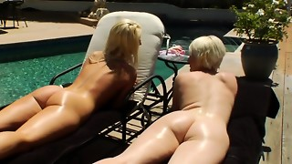 Clyster honey unloading by the pool with lezzy