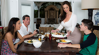 Kendra Eagerness & Jordi El Nino Polla in Kendras Thanksgiving Plunging - Brazzers