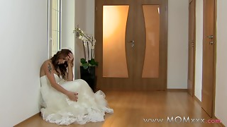 Mommy xxx: Wifey to be get humped at her wedding