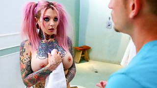 Sydnee Perverse & Bill Bailey in Large Titty Inked Stepsister Sydnee Perverse - BurningAngel