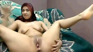 Hijab Arab chick plays blows a load lactate on web cam