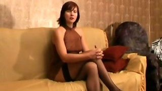 Mature Russian superslut Vika gets penetrated and played