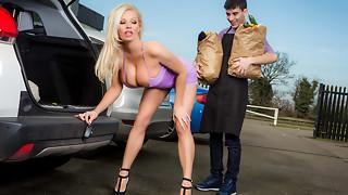 Michelle Thorne & Jordi El Ni?�o Polla in Sneaky Slut Bags The Scoundrel - Brazzers