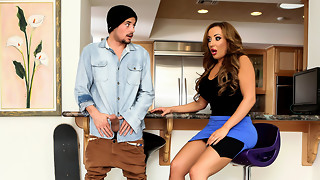 Richelle Ryan & Tyler Nixon in Milfer Frenzy - Brazzers