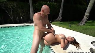 Curvaceous Juliana Vega boned stiff in the pool