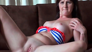 Olivia O'love providing head and getting adorably porked in her bald vagina